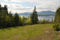 Overlooking the Shuswap Lake, spectacular lake and mountain view