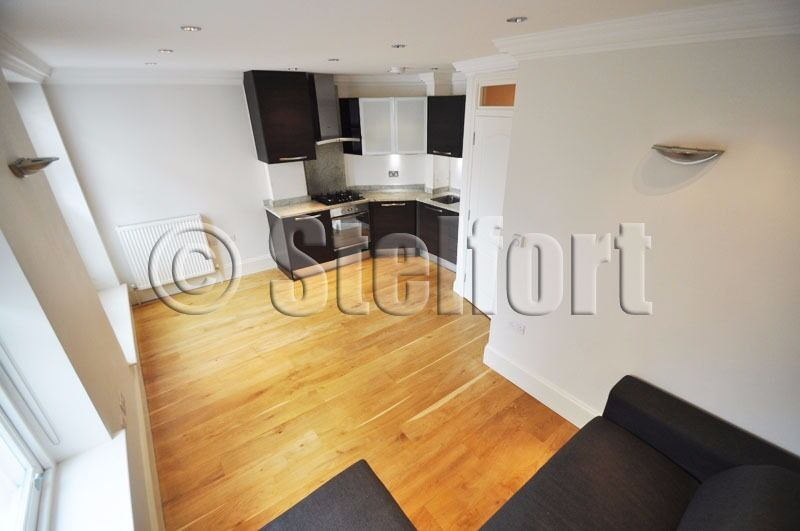 A MODERN 1 DOUBLE BEDROOM FLAT IS LOCATED ON HOLLOWAY ROAD WITHIN EASY ACCESS TO TUBES AND AMENITIES