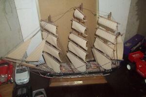 Antique DUSTY Vintage Model Wooden Sailing Ship - FRAGATA SigLo