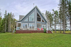 Waterfront!  Almost New!  Wellington Centre 25 Acres - private!