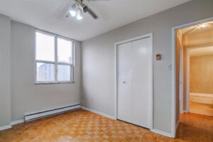 2 Bedroom Near Danforth and Broadview Station