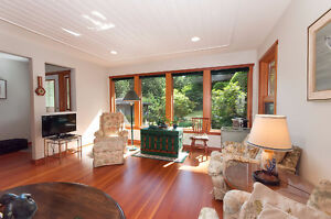 Bowen Island Custom Built Home on Sunny, Secluded 1 Acre North Shore Greater Vancouver Area image 5