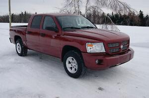2011 Dodge DakotaSLT  crew cab 4x4 Pickup Truck NEW MVI NO RUST