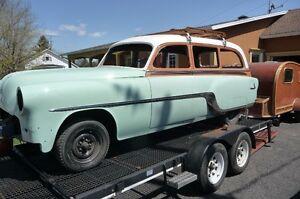Pontiac 1954 woody station wagon