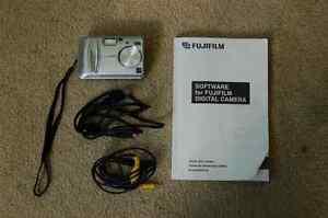 Fuji Fine Pix A310 Digital Camera (Like New)