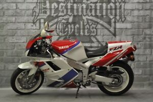 1993 Yamaha FZR1000 - Collectible, original condition, low km!!