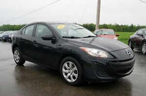 2011 Mazda Mazda3 Sedan STILL LIKE NEW
