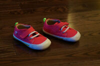 SEE KAI RUN PINK SNEAKERS - NEVER USED : ONLY $20 (SIZE 18-24m)