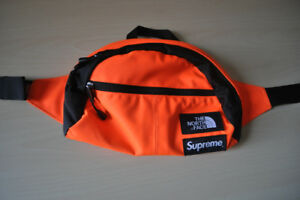 SUPREME X THE NORTH FACE ROO II LUMBAR PACK