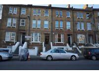 3 bedroom flat in Victoria Road, Kilburn, NW6
