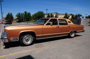 CRUISE INTO SPRING WITH THIS GORGEOUS 1978 LINCOLN CONTINENTAL