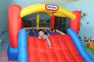 Popcorn machine and Jumpy castle for rent