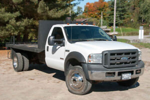 2005 F550  Flatbed Truck in Amazing Condition