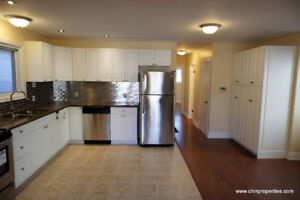 Spacious and Stunning 2 Bedrooms, close to Downtown and 403