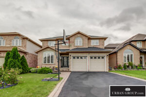 Beautifully Updated 4+1 Bed 3.5 Bath Home