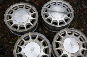 4 Ford alloy rims - also fit Volvo, Edge, Fusion, Windstar etc