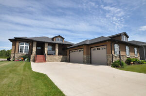 *MUST SEE* ABSOLUTELY STUNNING Raymond Home!!