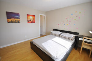 master bedroom for rent 4 minutes walking to Whitehorn Station