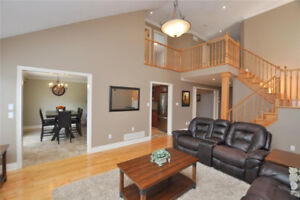 OPEN HOUSE - BEAMSVILLE - BEAUTIFUL TWO-STOREY