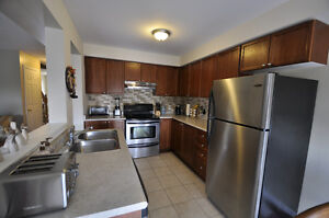 4 MONTHS LEASES accommodated -May 01-August 31, 2017 Student Cambridge Kitchener Area image 2