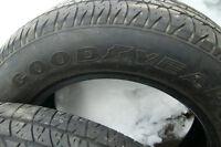 2 pneus été good years 215-60-15