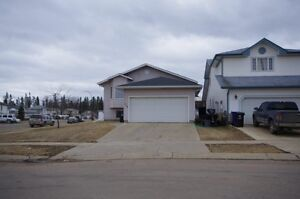 2 BED BASEMENT SUITE WITH SEP ENTRANCE & LAUNDRY - 2 PARKING