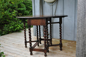 Antique Oak Barley Twist legs oval gate table