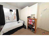 5 bedroom house in Sefton Avenue, Newcastle Upon Tyne, NE6