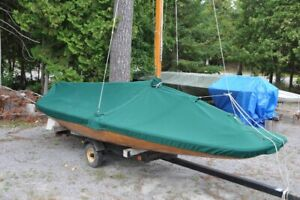 Beautiful 16 Ft scow sailboat