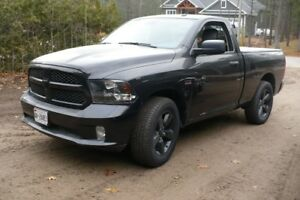 2016  RAM  1500----ALL BLACKED  OUT  EDITION