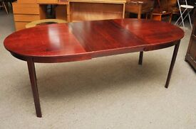 XMAS SALE NOW ON - Oval Extending Dining Table - Can Deliver For £19