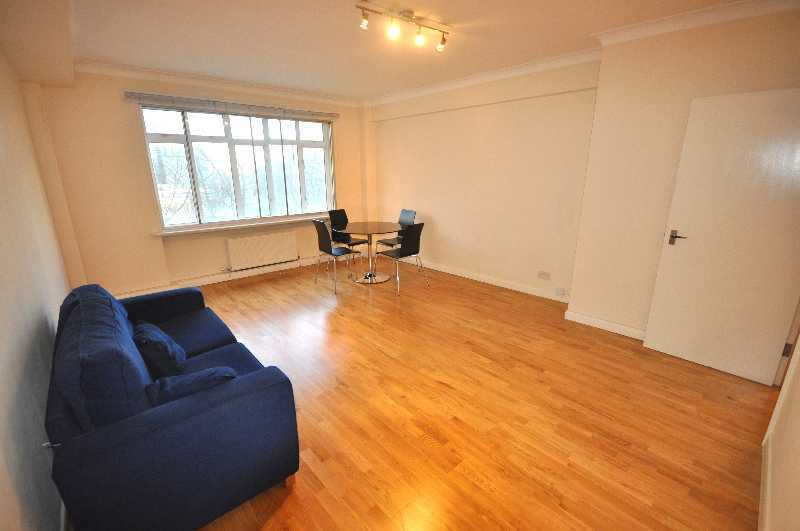 *NO ADMIN FEES FOR TENANTS - INCLUDES GAS, HOT WATER/HEATING Massive 1 bedroom flat fitted kitchen*