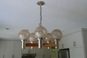 CEILING LIGHT WITH 5 GLOBES