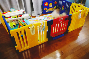 BabyDiego Playpen and Activity Center(8 pannels)