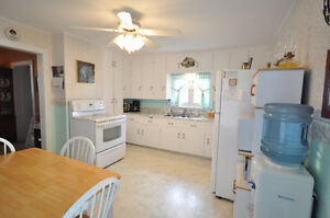40 Riverview Rd, Lindsay - 3 Bdrm on Large Lot Kawartha Lakes Peterborough Area image 3