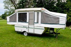 Palomino tent trailer - sleeps up to 6