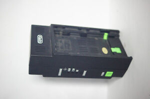 Camcorder battery universal charger w/o power supply