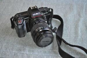 Minolta Maxxum 5000 fully automatic 35mm camera package