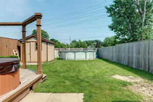 Excellent Condition Above Ground Pool