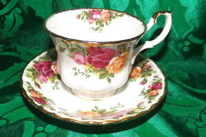 Old Country Roses Royal Albert TeaCup and Saucer
