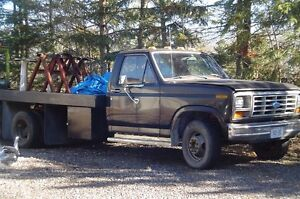 1982 Ford F-350 Dual Wheel Flat Bed Truck. Solid Truck. 400 V8