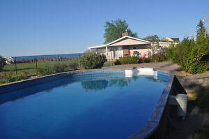 Executive cottage beachfront and swimming pool in Grand Barachoi