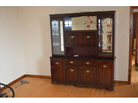 Double Unit with Display Cabinet for free !