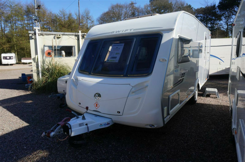 2008 SWIFT CONQUEROR 530 4 BERTH CARAVAN -