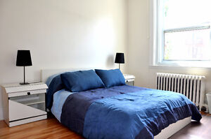 Furnished room between Snowdon metro & UdeM. Great for students.