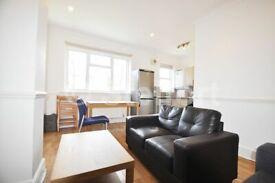 2 bedroom flat in Arthur Road, London, N7