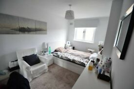 J*/MASSIVE DOUBLE ROOM** SHORETICH ** LOVELY PROPERTY