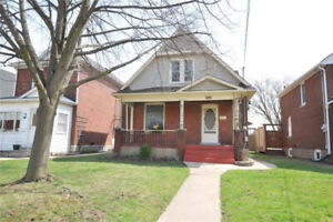CHARMING BRICK HOME - WELLAND