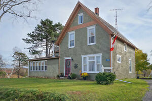 BEAUTIFULLY RENOVATED FARM HOUSE IN PEI