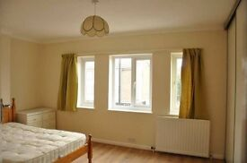 Spacious and clean 3 bedroom flat walking distance to Winchmore Hill train station N21